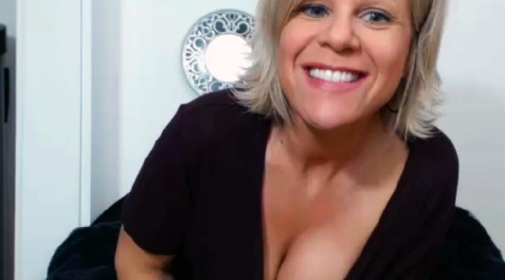 hot-blond-milf-sandrine4321